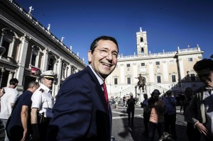 Domani il sindaco Marino dona il sangue al San Filippo Neri