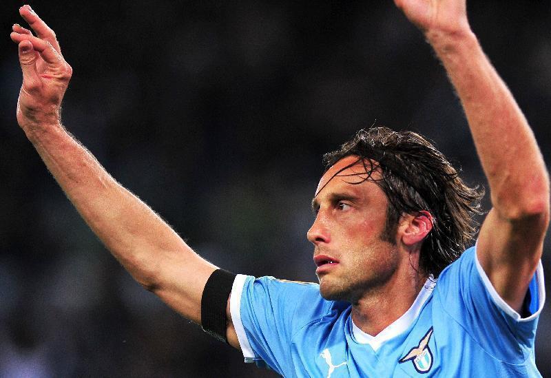 Calcioscommesse: chiesta penalizzazione di sei punti per la Lazio, 4 anni e 6 mesi a Mauri