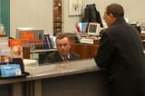 Prova a incassare un assegno di 22 mila euro con documento falso, arrestato