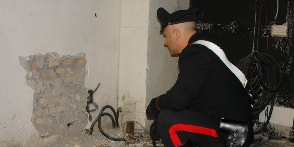 TUSCOLANA/Banda del buco in azione nella notte. Indaga la polizia