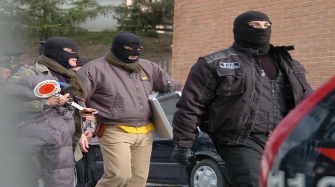 Blitz dei Ros contro anarchici, due arresti e perquisizioni