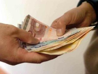 VITERBO/Ex badante chiede 15mila euro a un pensionato. Arrestata