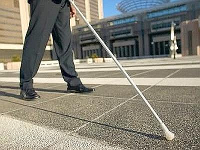 LATINA/Scoperti 5 falsi ciechi: percepivano da anni la pensione di invalidità