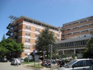 Malore in ospedale, interviene il 118, Goretti-caos. E ci si chiede perchè la sanità non funziona