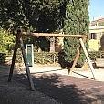 MONTEVERDE VECCHIO/Villa Sciarra, rubate le altalene,allarme furti di ferro e rame