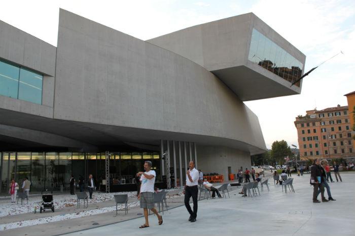 Il Maxxi si svuota per diventare una piazza d'arte