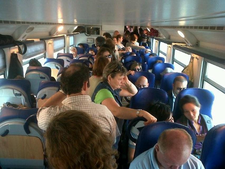 I sindaci del litorale sul treno per protestare contro i disservizi della Fr5