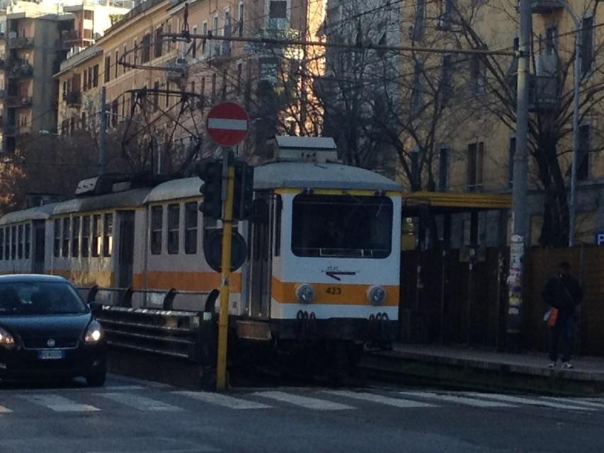 Roma Giardinetti, tamponamento tra due treni: 13 feriti lievi