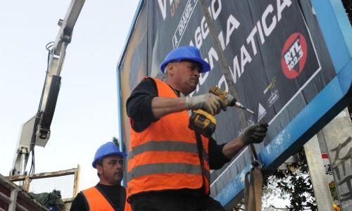 Cartelloni abusivi: a Ciampino le rimozioni, nella Capitale no. La denuncia del blog Romafaschifo