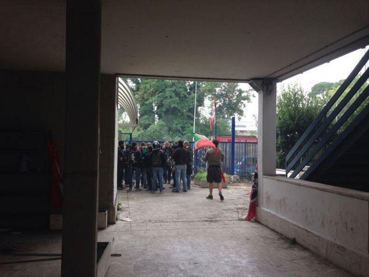 CasaPound, sgomberata l'occupazione di via Val d'Ala ma estrema sinistra resta in stabile pericolant...