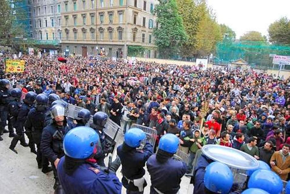 Roma città aperta. Ma non a cortei e a violenze