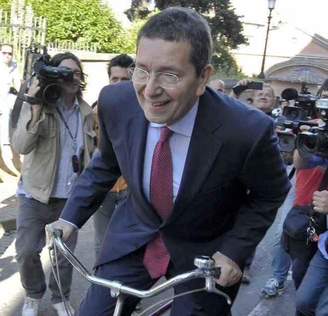 """""""Il Bartali del Campidoglio"""" ha mille Lampeduse sotto le finestre del suo ufficio"""