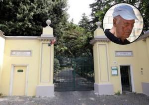 Priebke, Messa a porte chiuse ad Albano Laziale