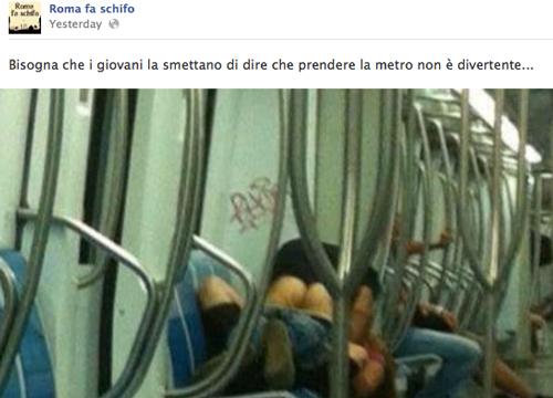 Fanno sesso in metro, la foto fa impazzire la rete