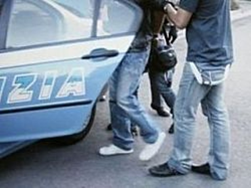 Droga nascosta in garage: arrestato pusher