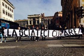 Metodo Stamina, manifestanti tentano irruzione a Montecitorio