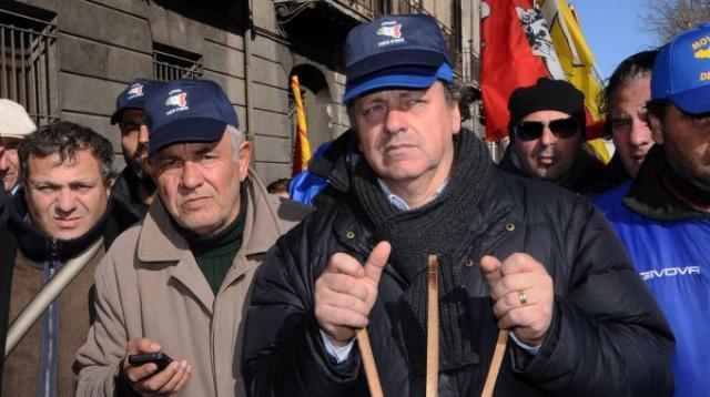FORCONI/Il movimento si spacca, salta la 'marcia su Roma'