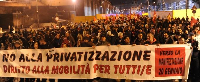 Venerdì complicato per i romani: in piazza autisti, senza casa, esercenti e musicisti