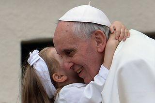 Papa Francesco in visita in una parrocchia: domande dai bambini