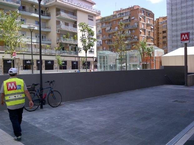 MOBILITA'/Municipio II, installate rastrelliere per biciclette a stazioni metro