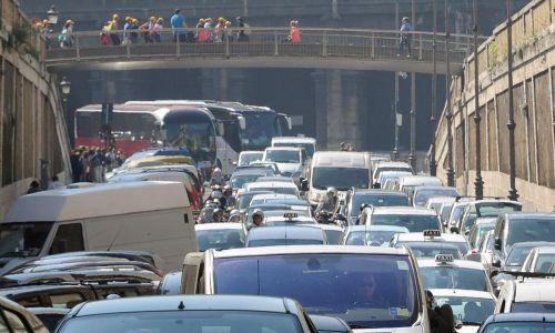 Roma, Smog: polveri a livelli alti, blocco del traffico anche domani