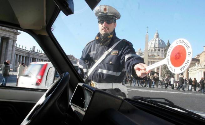 Giubileo, sos vigili: scaduto il contratto, Roma rischia la paralisi del traffico. Il dossier a Tron...