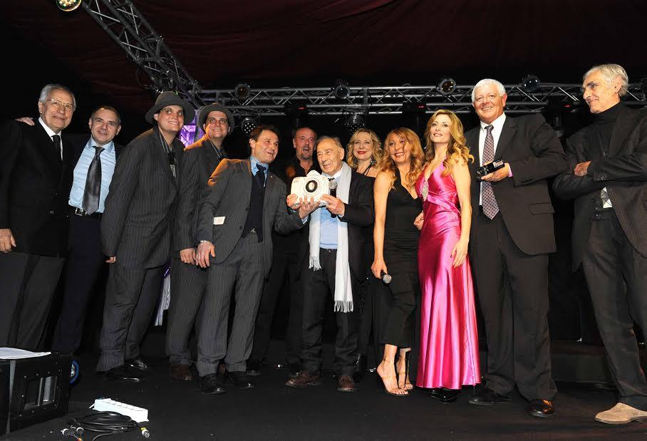 Carlo Riccardi, 87 anni da paparazzo. Tra i ricordi, il bacio rubato a Sofia Loren e Carlo Ponti in ...