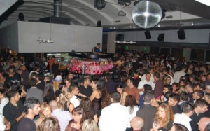 OSTIENSE/Rissa davanti alla discoteca, 21enne in prognosi riservata
