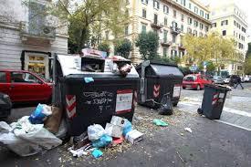 Sabotaggio o incompetenza. Roma alla riffa dei rifiuti
