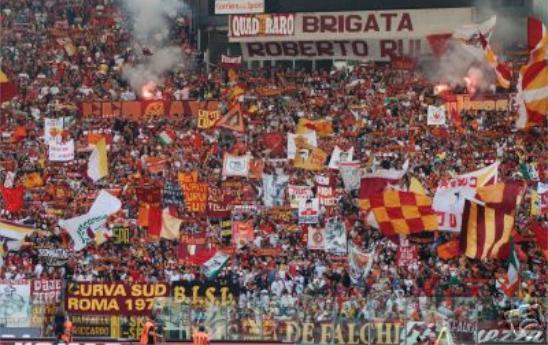 CALCIO/Cori offensivi, Roma rischia chiusura curve