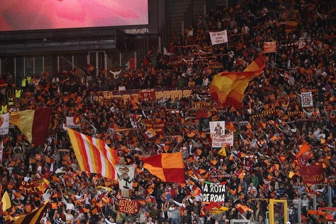 CALCIO/Ancora cori razzisti, la Roma rischia una nuova sanzione