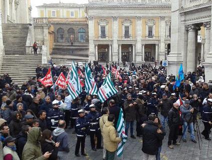 SANTA MARIA MAGGIORE/Protesta dei Forconi davanti alla Basilica: