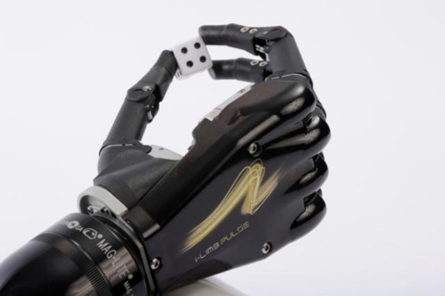 Campus Bio-Medico sperimenta mano bionica con sensazioni