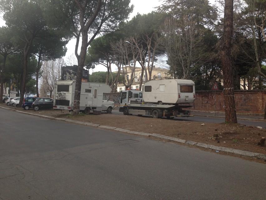 Rimosse le roulotte di via Ramazzini/ Intervento spot o strategia?