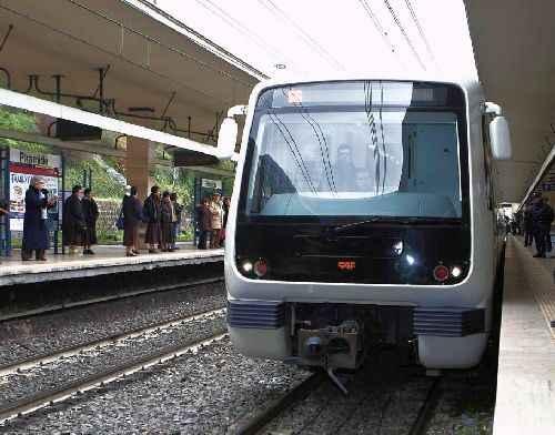 Metro B, un calo di tensione di Acea manda in tilt il servizio