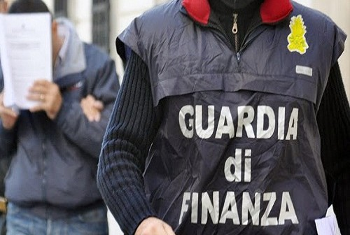 Camorra, la Guardia di Finanza sequestra 46 milioni al clan Mallardo