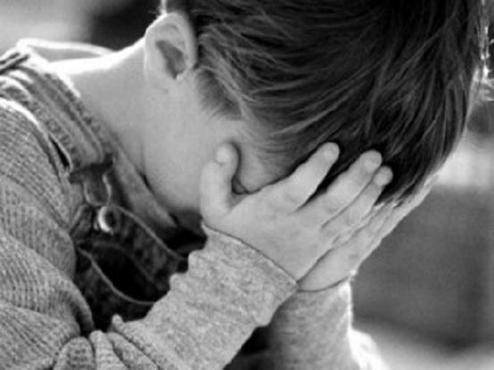 Viterbo, schiaffi e calci ad alunno disabile: sospesa assistente scolastica