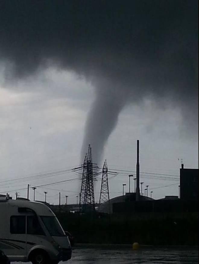 Tromba d'aria a Civitavecchia: danni e paura