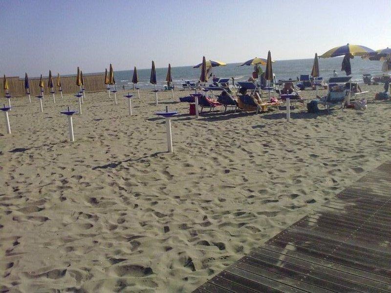 FIUMICINO/Spiagge aperte il 25 aprile Ma niente musica la sera