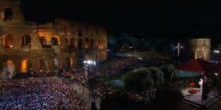 COLOSSEO/40 mila fedeli al rito della Via Crucis