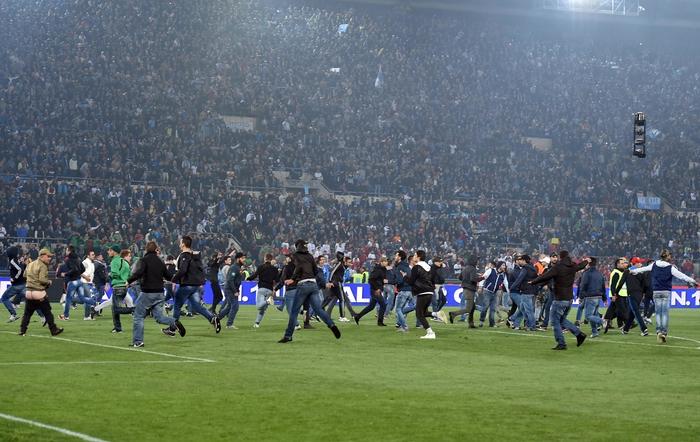 IL PUNTO/ Follia e sangue sulla Coppa Italia, si gioca con l'ok degli ultrà