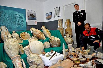 ARDEA/Trovato in casa con beni archeologici trafugati, denunciato