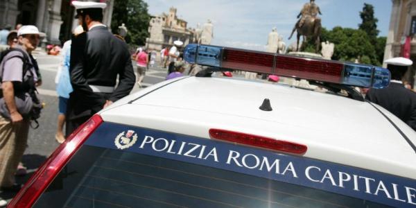 Sicurezza stradale, controlli dei vigili nel weekend: sanzioni per 100mila euro