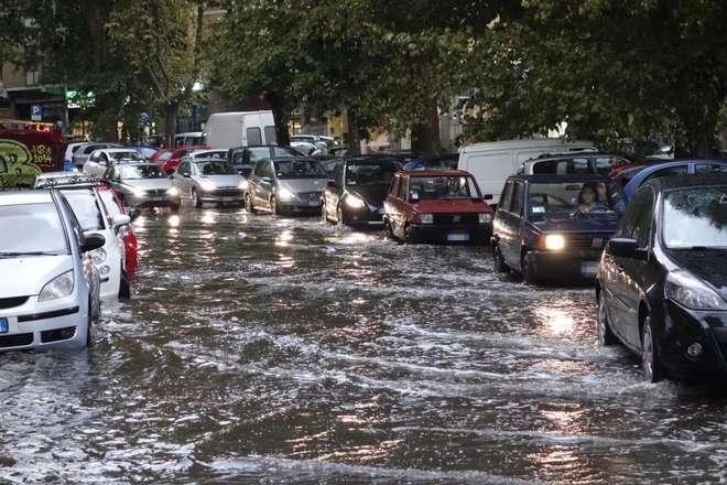 Maltempo, lunedì 18 ore di allerta meteo sul Lazio
