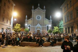 San Lorenzo si riprende la sua piazza contro la movida: per due mesi musica, cinema e dibattiti