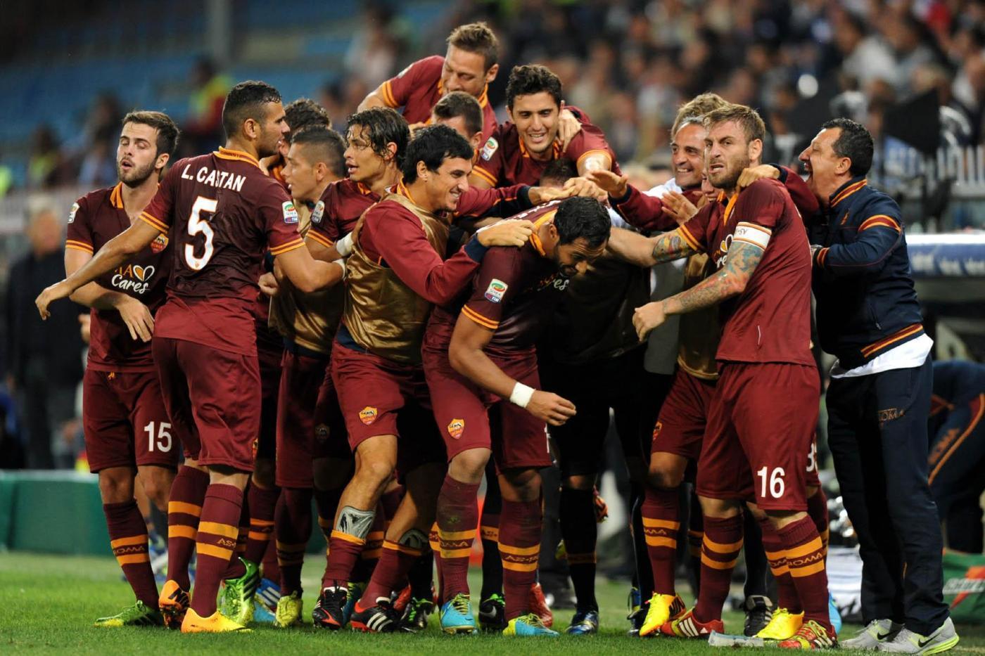 Roma, i giallorossi si presentano all'Olimpico in attesa di conoscere il finale della soap Benatia