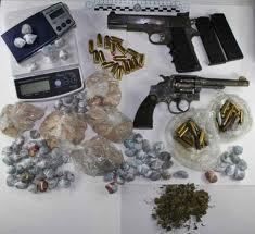 San Basilio, arrestato 26enne: nascondeva armi e droga a casa di un'anziana parente