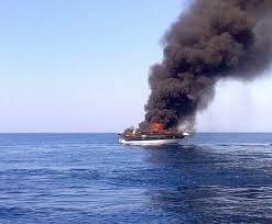 Anzio, barca prende fuoco e affonda: salvati i 4 marinai a bordo