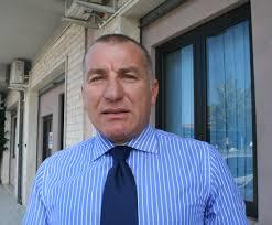 Ardea, intimidazione contro il sindaco Di Fiori: dopo l'auto bruciata la carcassa di maiale