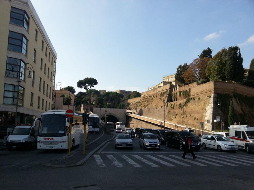Degrado, Pics e Ama bonificano sottopassi Porta Pia e Corso Italia